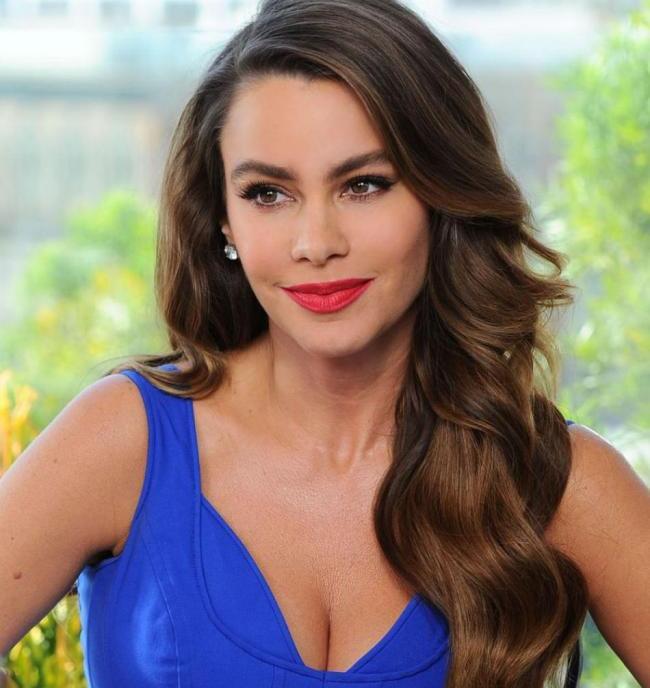 Sofia Vergara : poids, taille, mensurations, vie privée, carrière